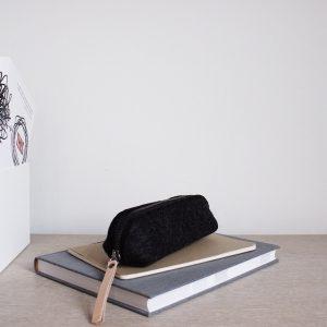 by gitte wooly pouch black